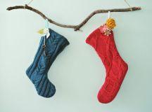 DIY no sew sweater stockings (via www.farmfreshtherapy.com)