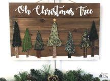 DIY Christmas pallet sign with fabric trees (via www.bugaboocity.com)