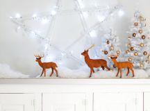DIY LED star holiday wreath (via abeautifulmess.com)