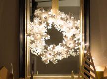 DIY glowing snowflake wreath (via www.designimprovised.com)