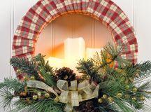 DIY cozy plaid candle Christmas wreath (via craftsncoffee.com)