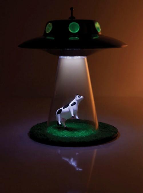 Unique Desk Lamp for XFiles Fans  Shelterness