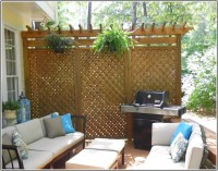 Picture Of deck privacy screen
