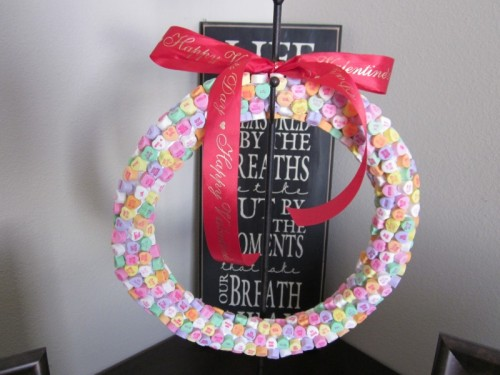 10 Cool DIY Valentine39s Day Wreaths Shelterness