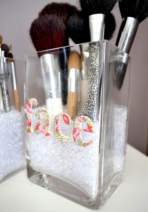 Cute DIY Makeup Brush Storage  Shelterness