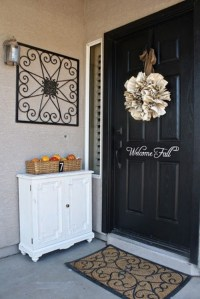 70 Cute And Cozy Fall And Halloween Porch Dcor Ideas ...