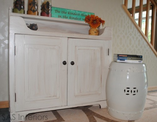 6 DIY Whitewashed Cabinets For Cozy Shabby Chic Dcor