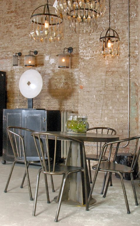 Vintage metal chairs and a table are perfect for a dining area