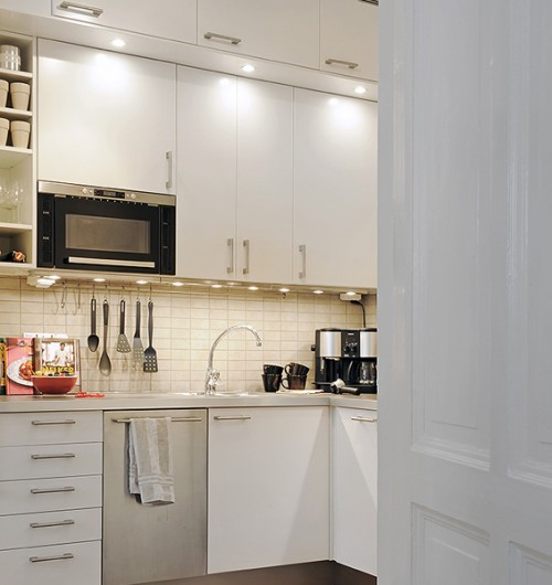 mounting microwave in upper cabinets