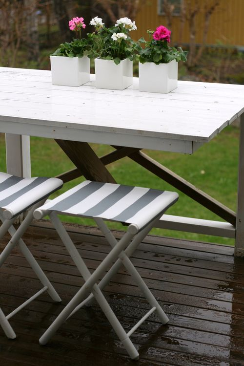 How To Renovate Old Folding Chairs  Shelterness