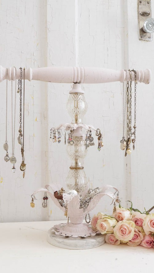 11 Romantic DIY Shabby Chic Jewelry Holders And Hangers