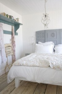 23 Ideas To Use Room Dividers As Headboards - Shelterness