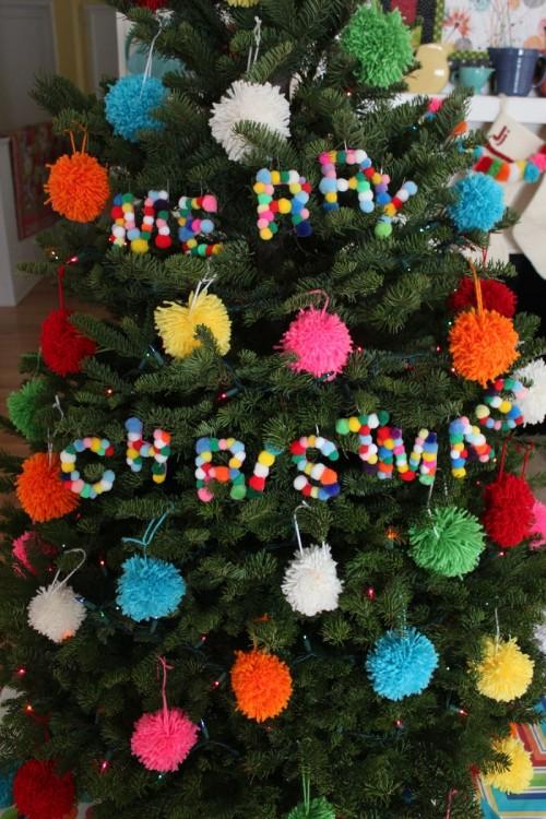 12 Soft And Cozy DIY Pompom Christmas Decorations  Shelterness