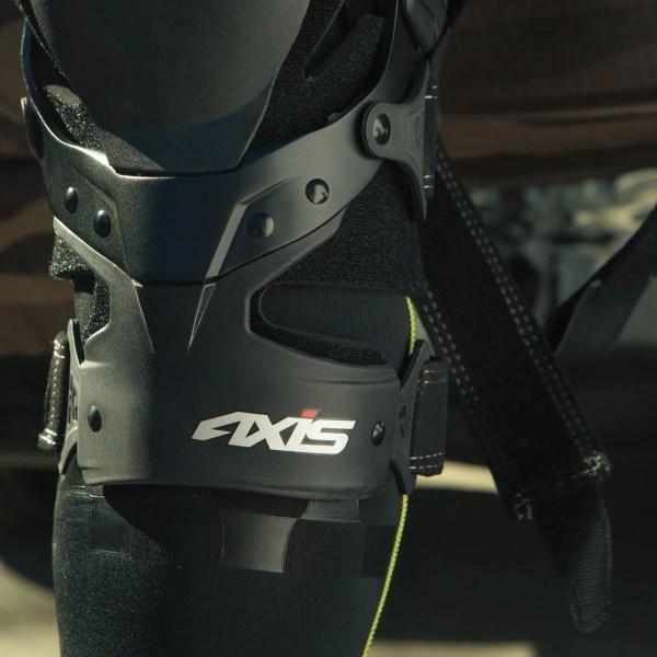 Evs Sports - Axis Sport Knee Brace Pair