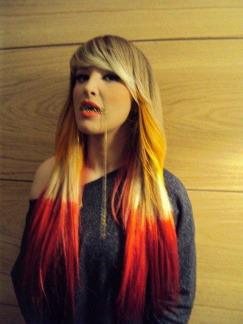 Tuna New Dip Dye Hairstyle Show Bizi