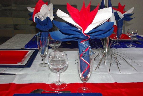 Table du 14 juillet  deco de table de Christine