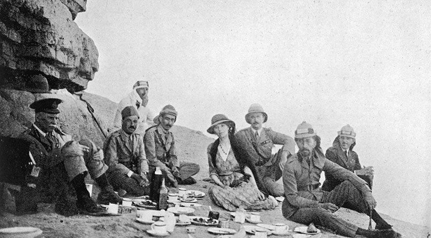 Gertrude Bell piknikte...