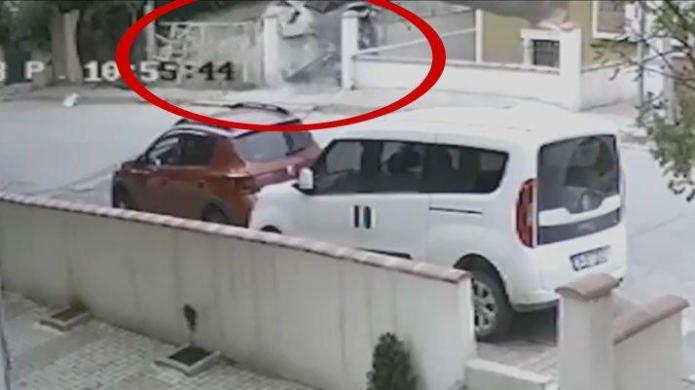 İstanbul'da askeri helikopterin düşme anı