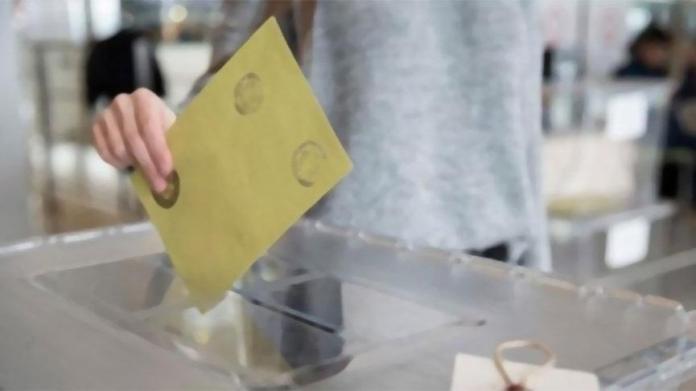 İstanbul'da oyların yeniden sayımı durduruldu