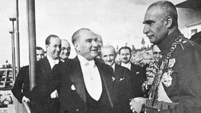 Hiçbir yerde olmayan Atatürk fotoğrafları
