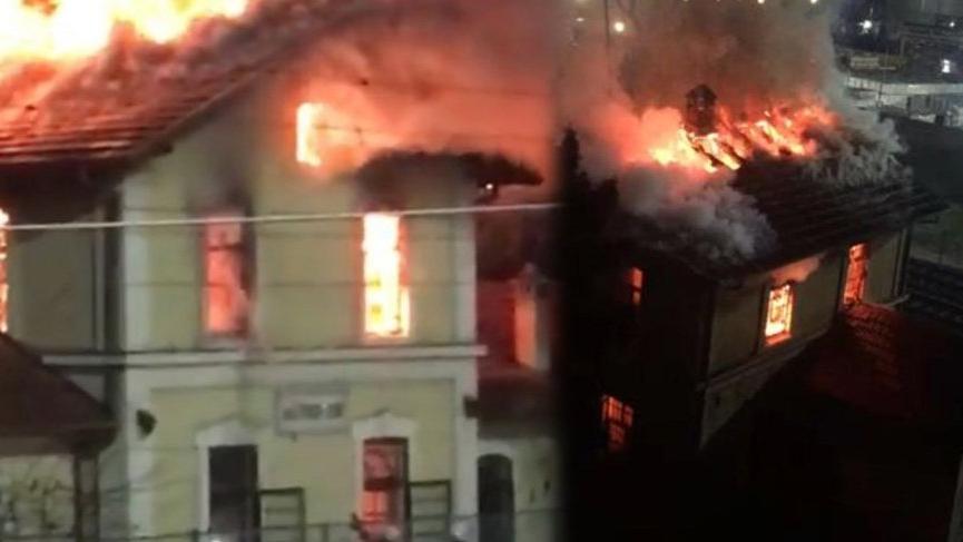 Kocaeli'nin Dilovası ilçesinde tarihi tren garı binasında yangın ile ilgili görsel sonucu