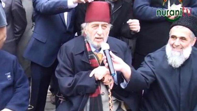 Images of the perverted sect leader with Kadir from Fez appeared