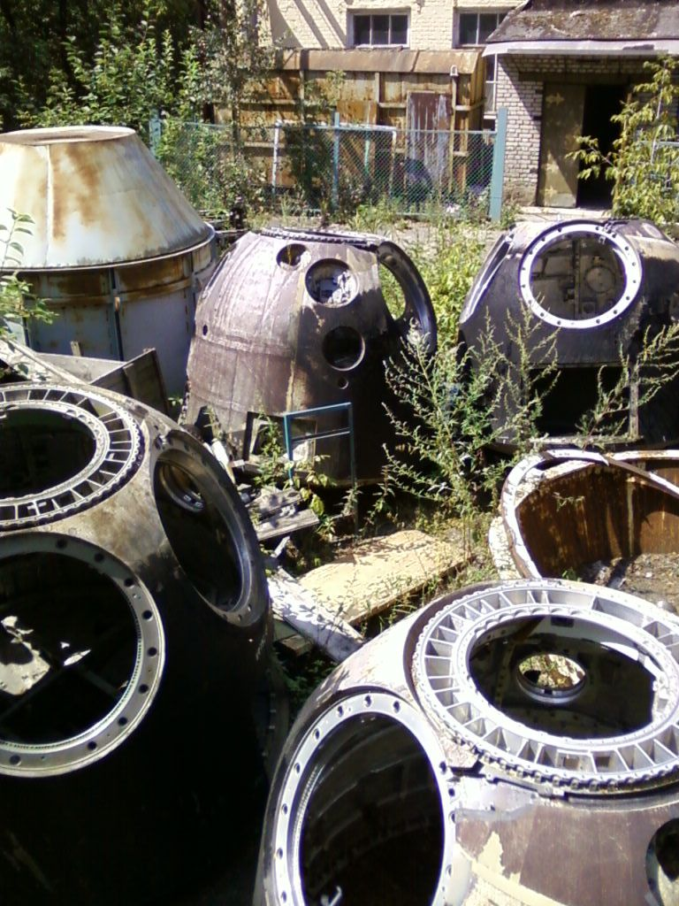 What happens to Soyuz reentry capsules after landing