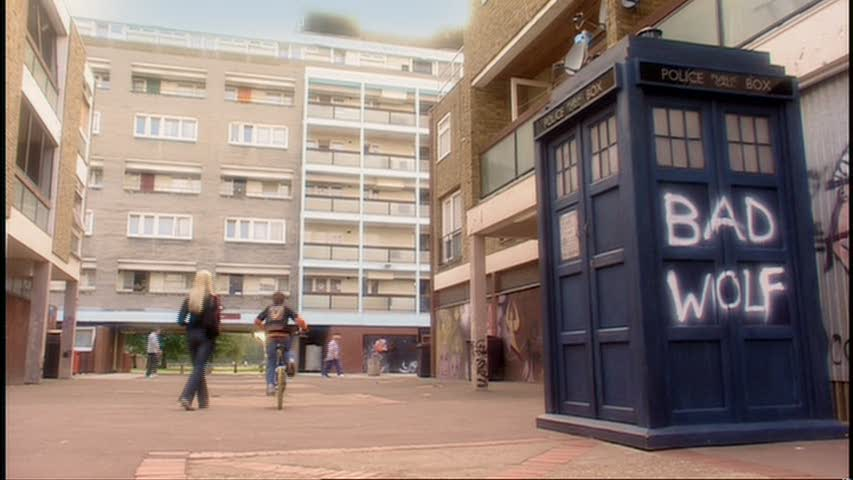 TARDIS on the Powell Estate, graffiti;ed