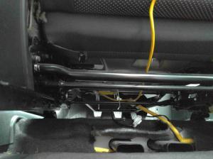 chevrolet  Two cable connectors under each car seat
