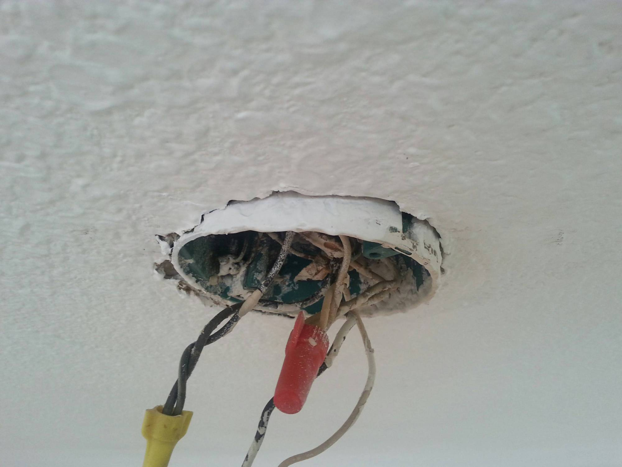 hight resolution of loose electrical box for ceiling light home improvement stack exchange wiring box for ceiling