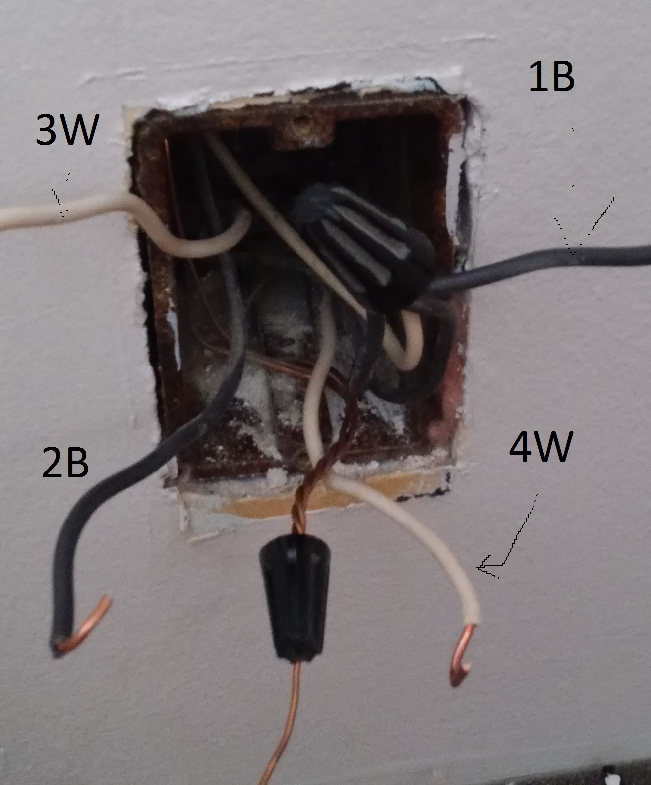 0v between hot and neutral 7 way round trailer wiring diagram guide hitchanything electrical three wires 1 on a switch home