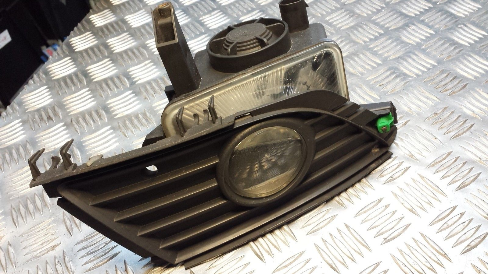 hight resolution of how to replace front fog light housing on a corsa c 2005