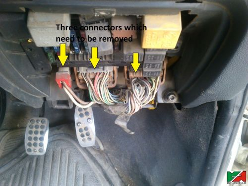 small resolution of electrical clicking noise when the battery is turned on motor car fuse box 12 ways car fuse box ticking