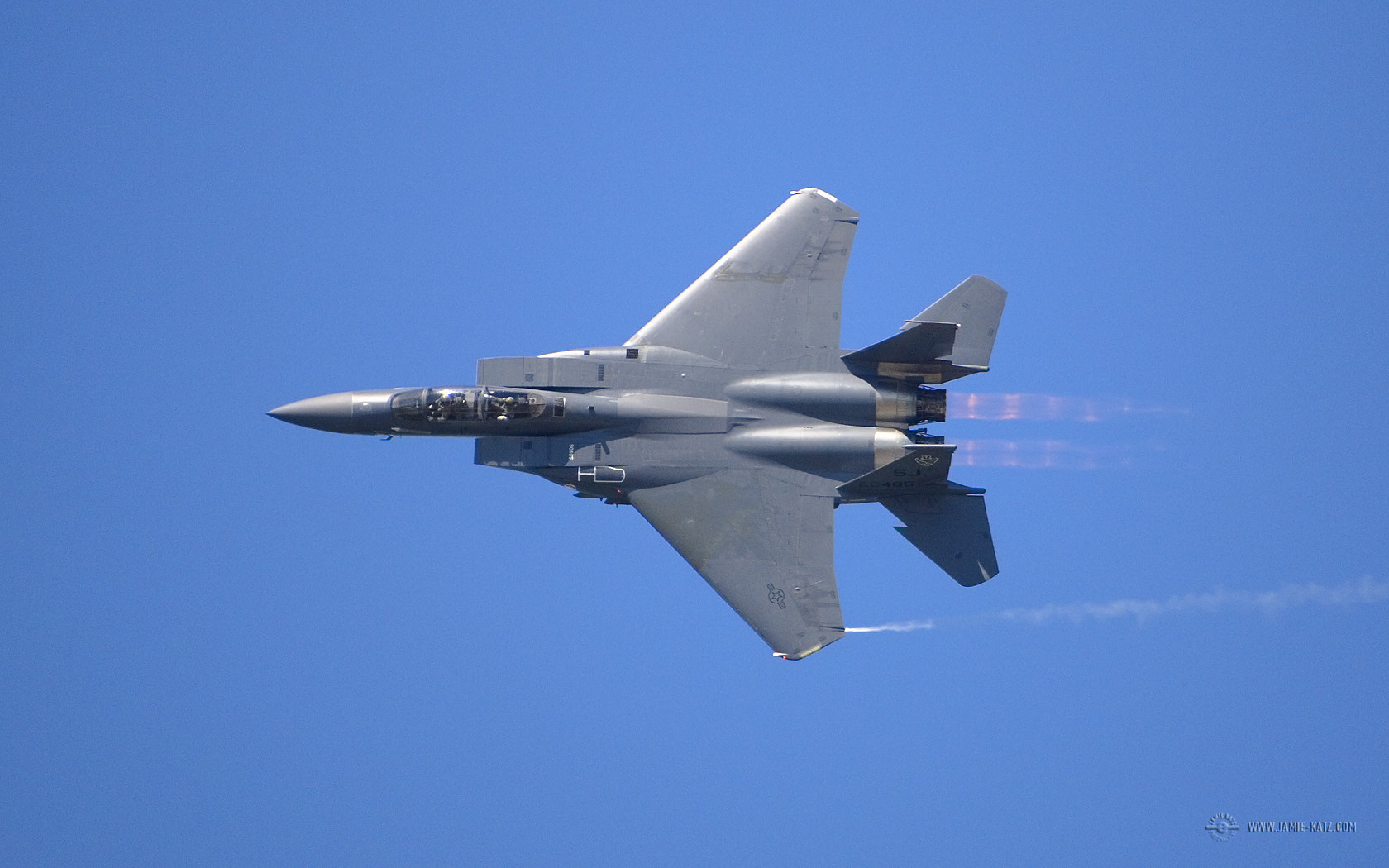 hight resolution of f 15 afterburners