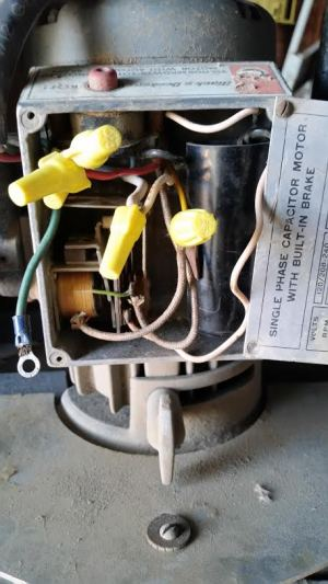 wiring  How do I connect this saw's motor to 220 volts