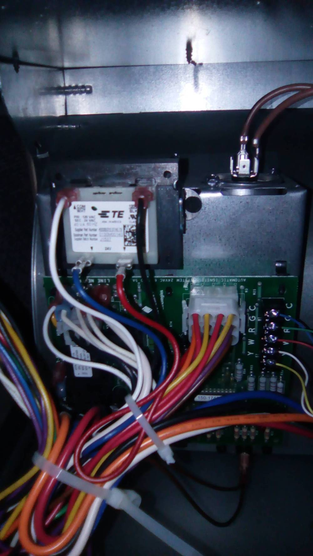 medium resolution of wiring aprilaire 500 humidifier on an amana ams8 furnace home rh diy stackexchange com aprilaire 440 diagram aprilaire 500 wiring to 24v furnace