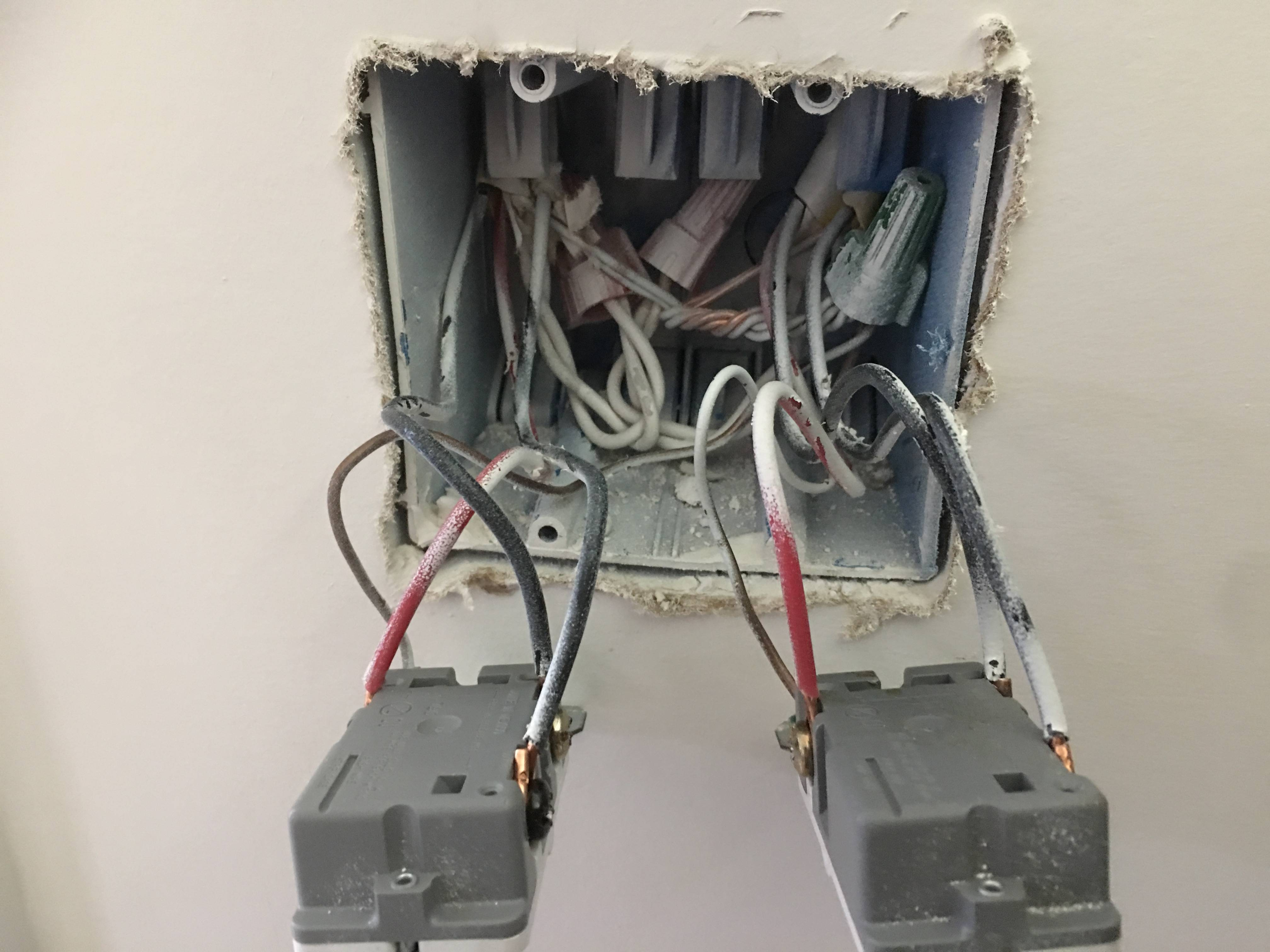 Is Basically A 3 Way Circuit With A 4 Way Switch Added Between The 2