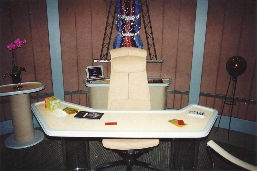 star trek  What are the orange plates on Picards desk