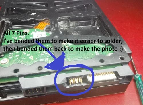 small resolution of hdd with the broken sata data connector