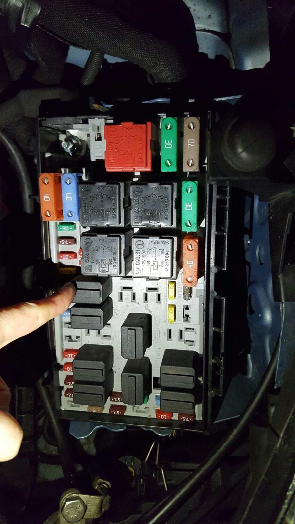 medium resolution of ecu help tracking down a battery drain issue on a 2007 vauxhall corsa fusebox