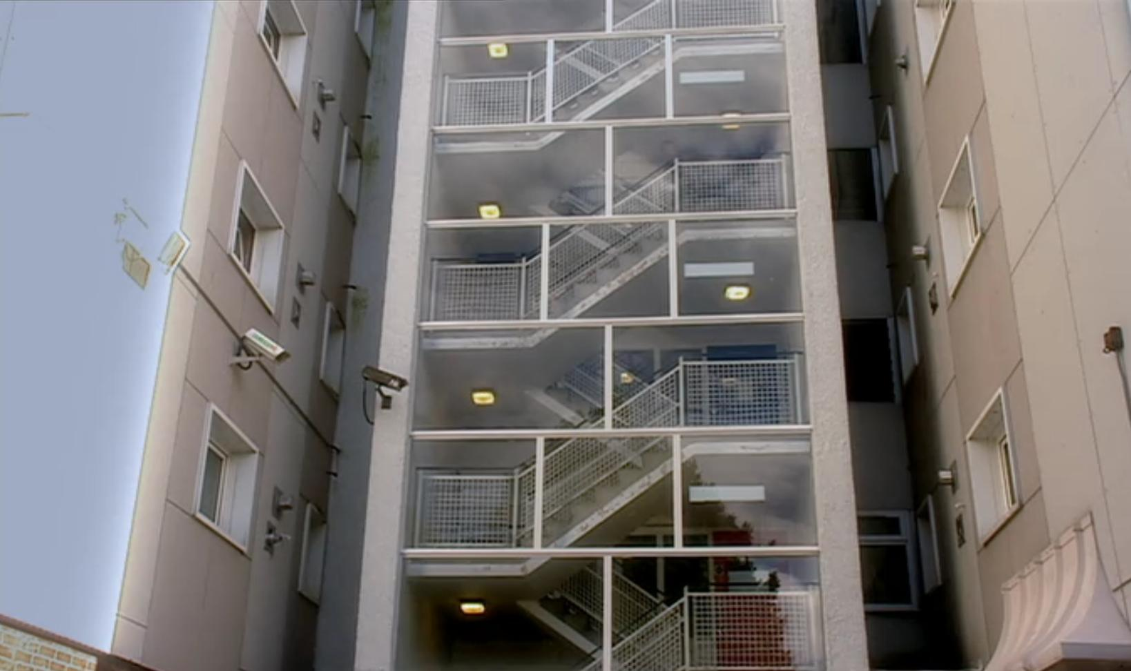 Doctor Who Claras And Roses Apartment Stairs Science