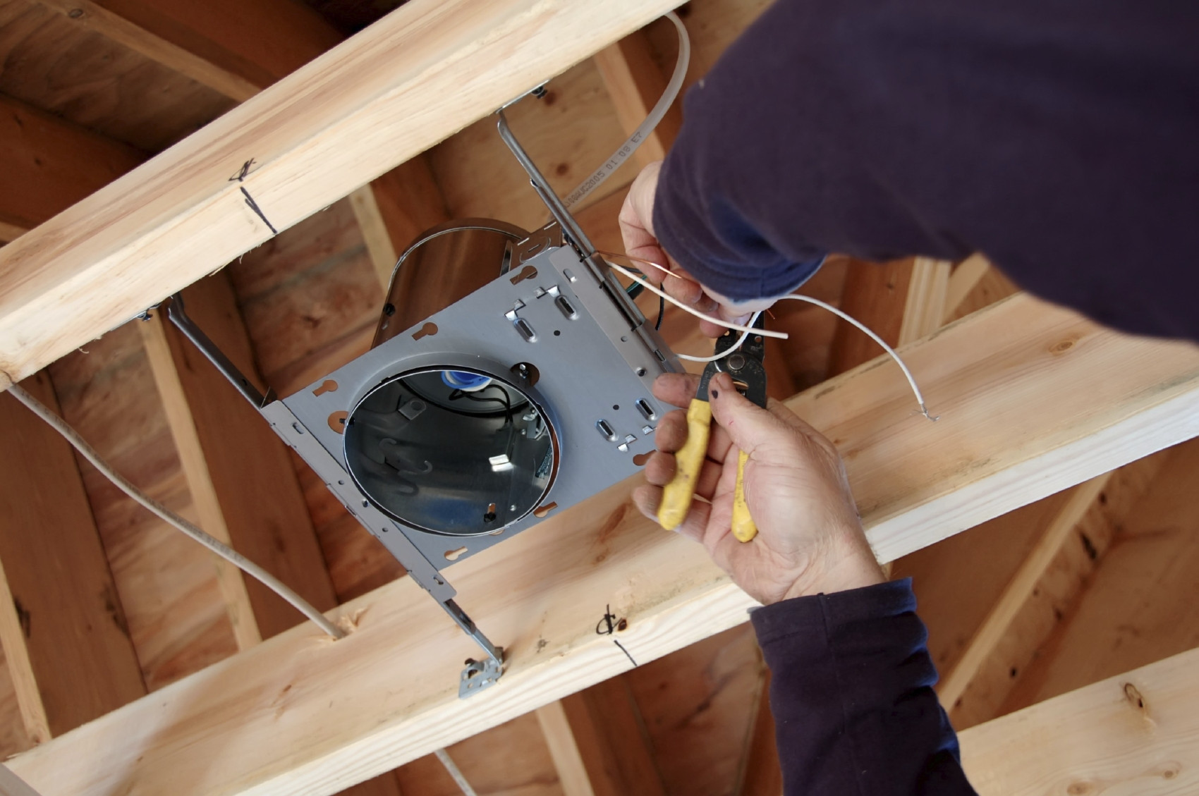 how to install recessed lights without