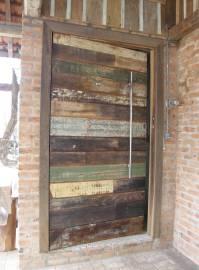 """How do I build an """"internal frame"""" for a reclaimed wood ..."""