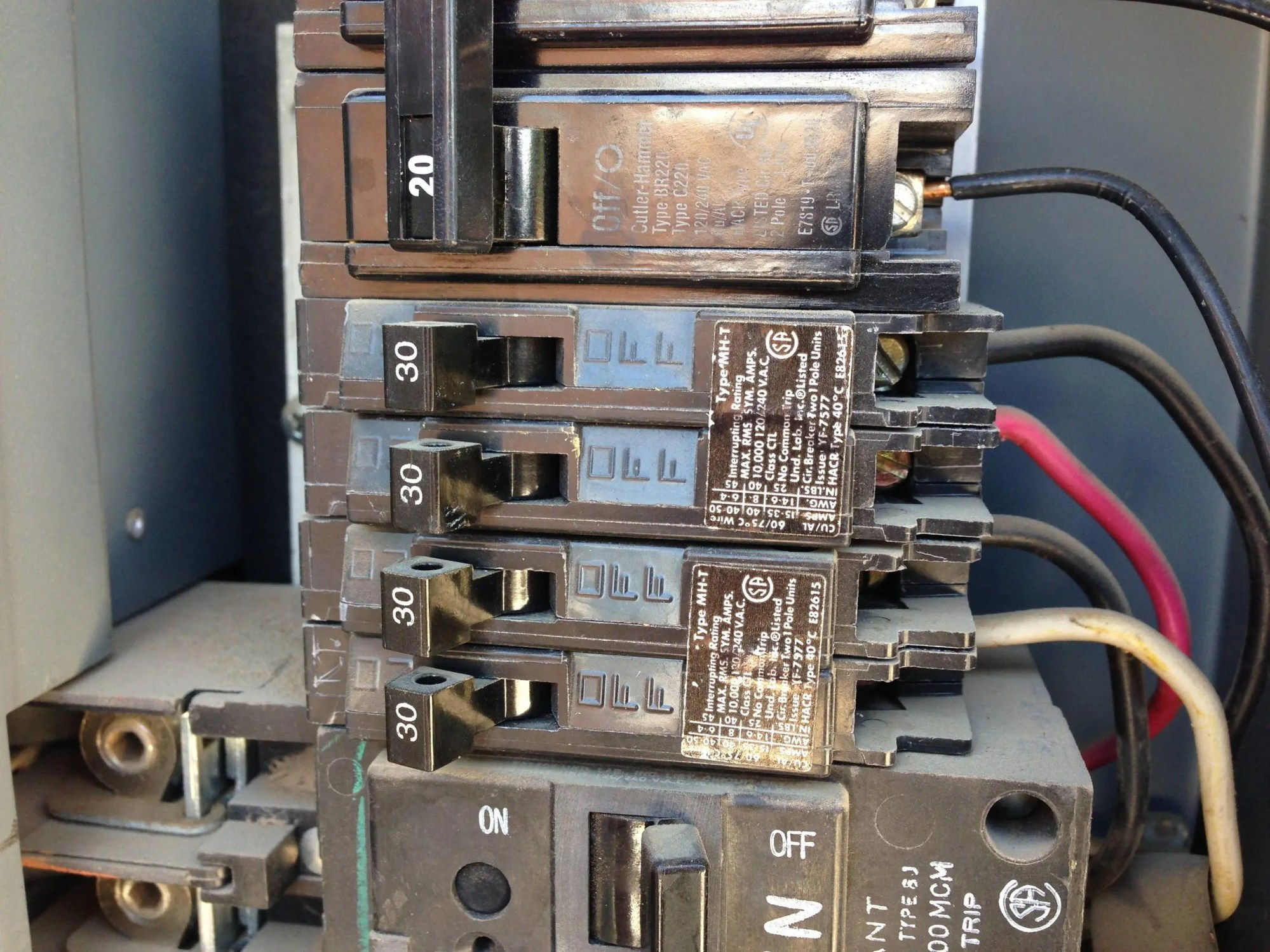 hight resolution of electrical using a 30 amp tandem circuit breaker for a 120 240vsuspect breakers