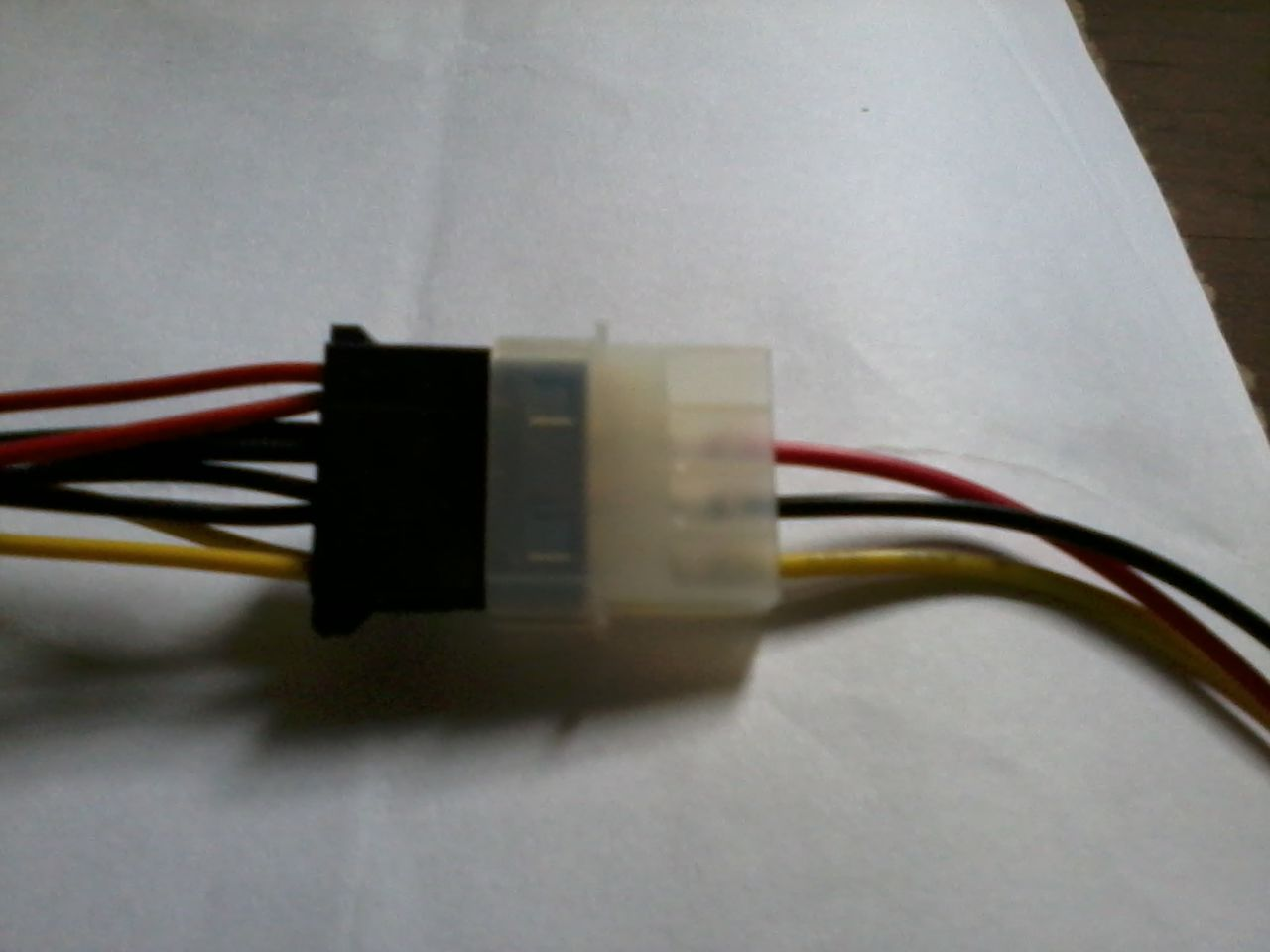 hight resolution of 6 to 4 pin power adapter red wire connected on black wire super enter