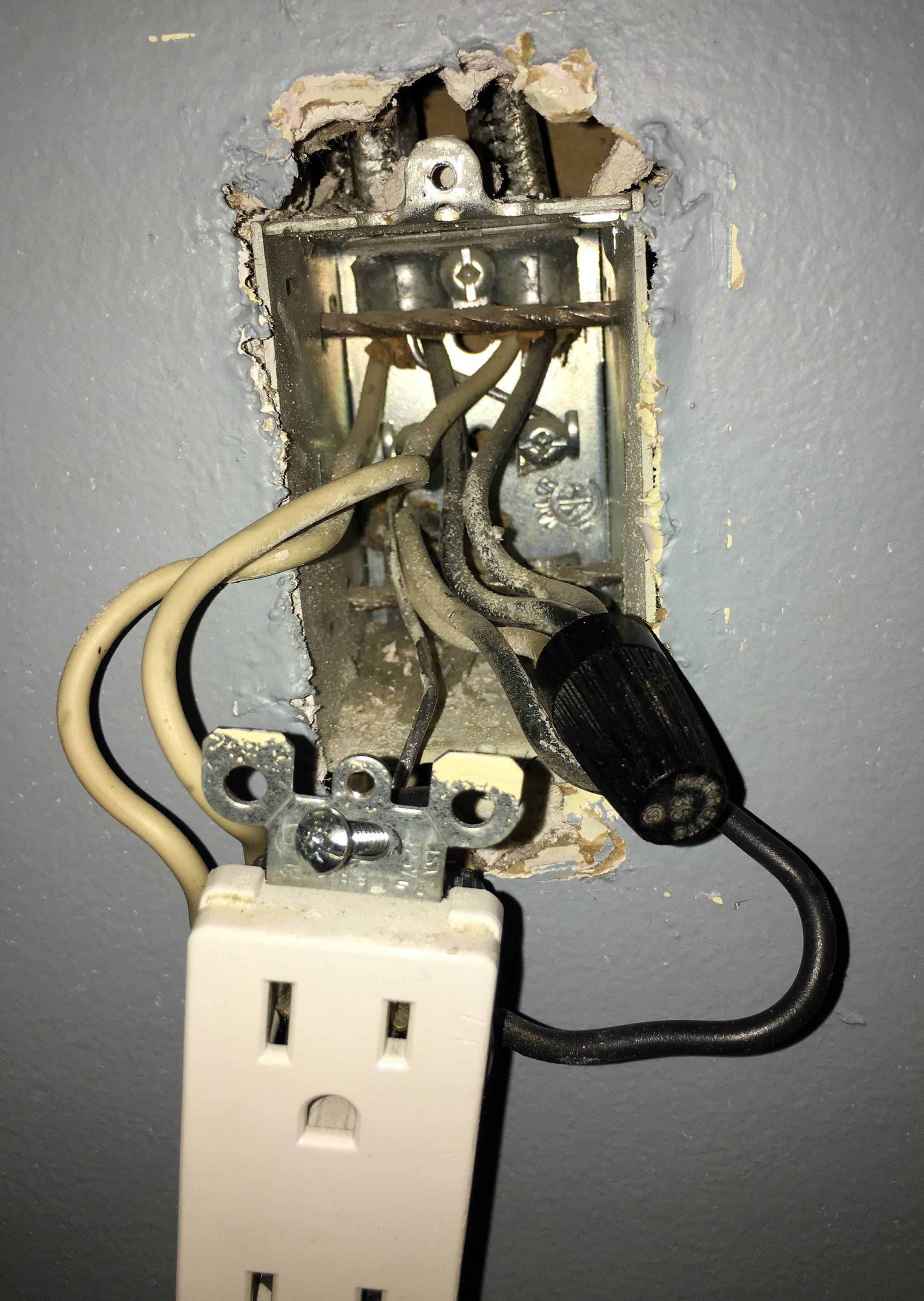 Half Switched Outlet