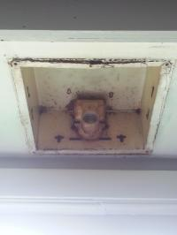 kitchens - Replacing either the light socket or the whole ...