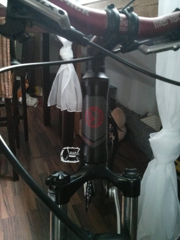 mountain bike  Tapered fork into 44mm head tube