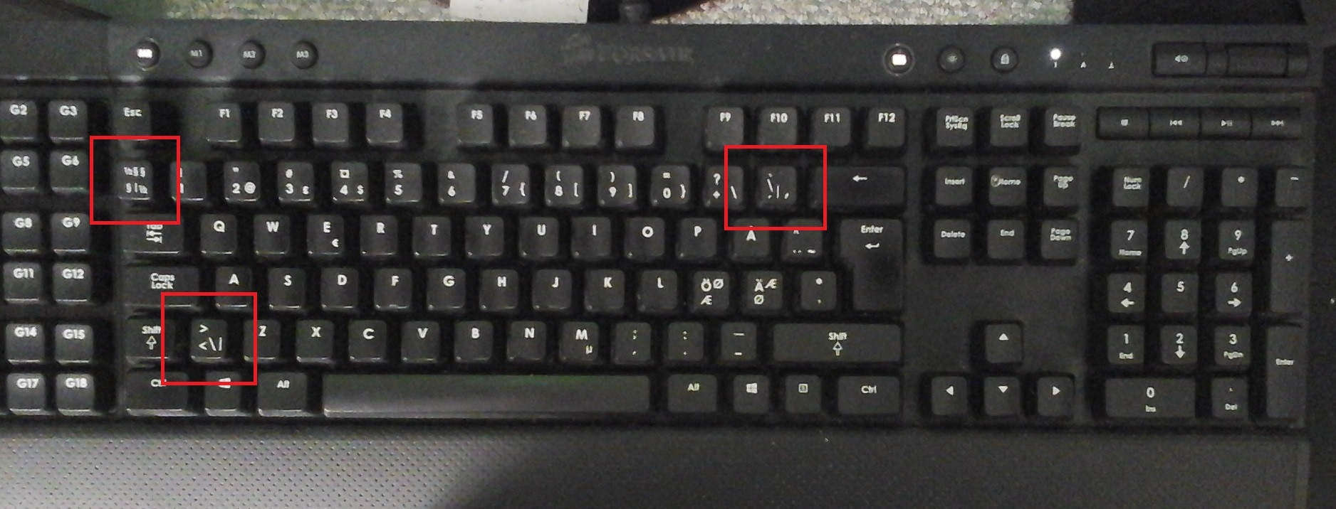 hight resolution of swedish keyboard with pipe symbol highlighted