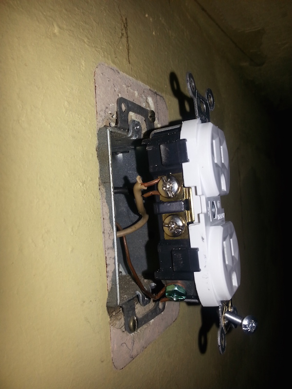 Wiring Two Lights To One Switch Electrical Outlet Light Switch Wiring